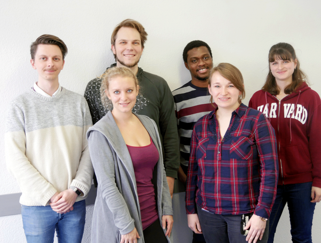 The Members of the PhD committee: Julian Elias Reiser (Ergonomics), Christine Hucke (Toxicology), Adrian Rieck (Toxicology), Karolin Wieber (Immunology), Desmond Agboad (Psychology & Neurosciences) und Nadine Hollmann (Toxicology).