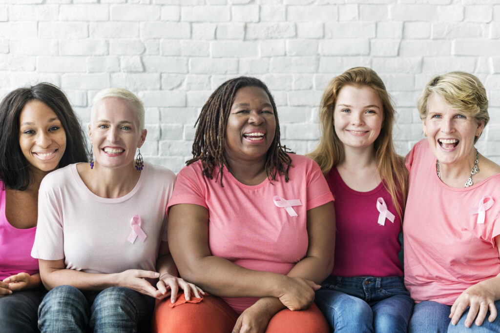 breast cancer five women (symbol picture)