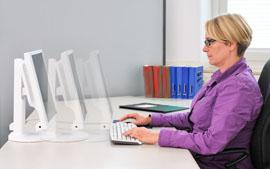 Online-Beratungstool: Besser Sehen und Arbeiten im Büro: Das Leibniz-Institut für Arbeitsforschung an der TU Dortmund – IfADo stellt auf der Website http://ergonomic-vision.ifado.de ein Beratungstool bereit, das erklärt, worauf es beim Thema Brille und Bildschirmarbeitsplatz ankommt.