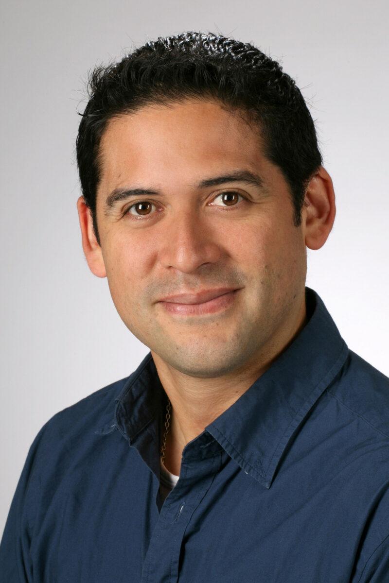 Portrait: Dr. Patricio Godoy.