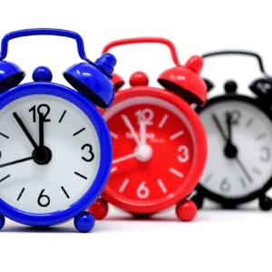 Drei Uhren (Symbolbild).